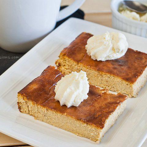 Crustless Pumpkin Cheesecake Bars (gluten and grain free) // deliciousobsessions.com