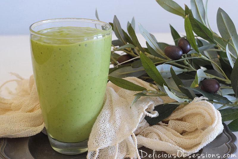 Creamy Coconut Avocado Smoothie Recipe (dairy free) // deliciousobsessions.com