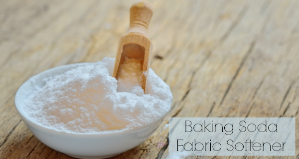 5 Non-Toxic Homemade Fabric Softener Recipes // deliciousobsessions.com #nontoxic #chemicalfree #greenliving