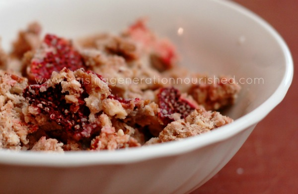Strawberry Granola Cereal :: Grain Free, Paleo Friendly, Allergen Free Options // deliciousobsessions.com #grainfree #glutenfree #paleo friendly #allergenfriendly