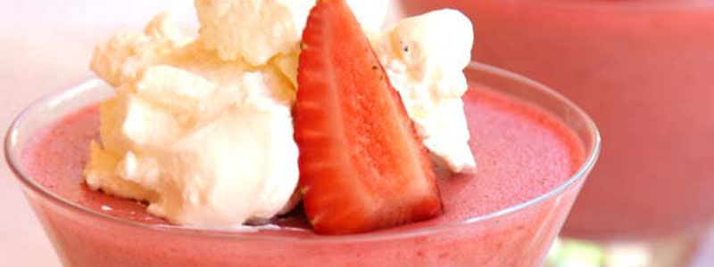 Strawberry Clouds Dessert (a delicious way to eat more gelatin!) :: Gluten and Sugar Free