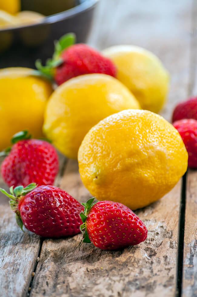 Strawberry Lemonade Ice Cream :: Gluten-Free, Grain-Free, Dairy Free, Refined Sugar-Free // deliciousobsessions.com