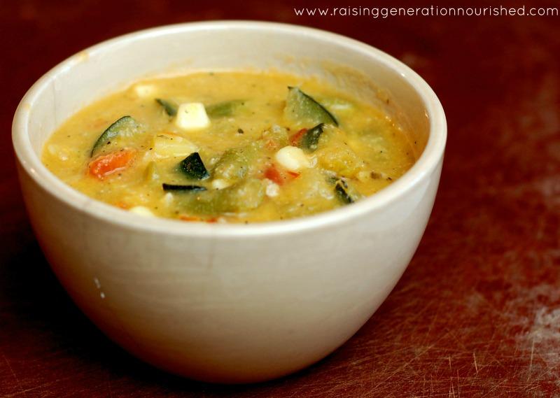 Bone Broth Basics :: Plus Over 50 Different Soup Recipes! www.deliciousobsessions.com #bonebroth #soup #healing #nourishment