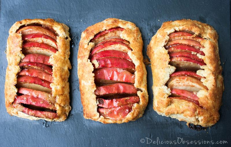 Rustic Apple Tartlets :: #GlutenFree, #GrainFree, #Paleo, #Primal // deliciousobsessions.com