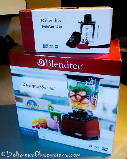 The Great #Blendtec vs. #Vitamix Showdown (and who won with flying colors) // deliciousobsessions.com