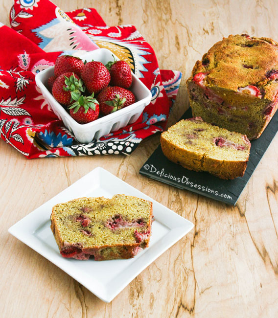 Strawberry Coffee Cake :: #GlutenFree, #GrainFree, #DairyFree, #Paleo / #Primal // deliciousobsessions.com #MedPaleo