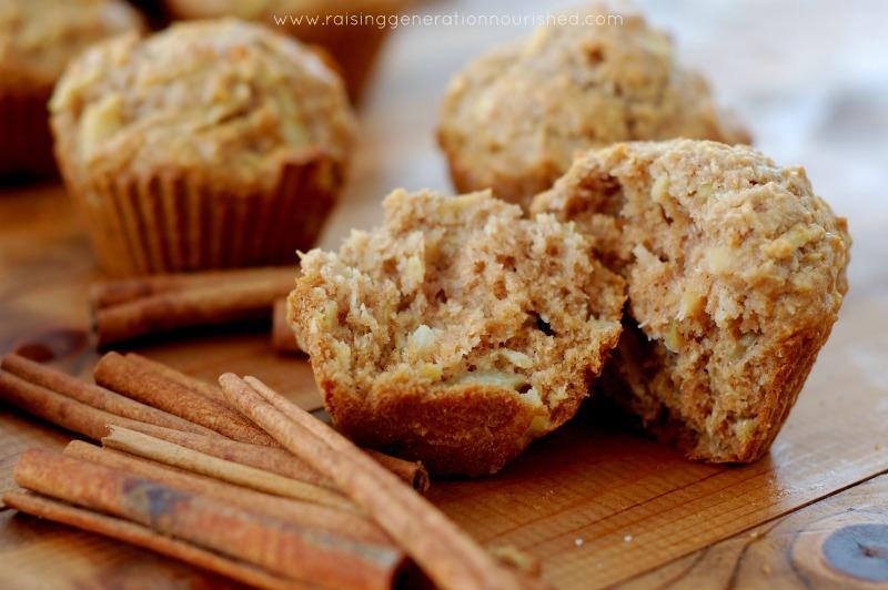 Grain Free Apple Cinnamon Muffins // DeliciousObsessions.com // #grainfree #paleo
