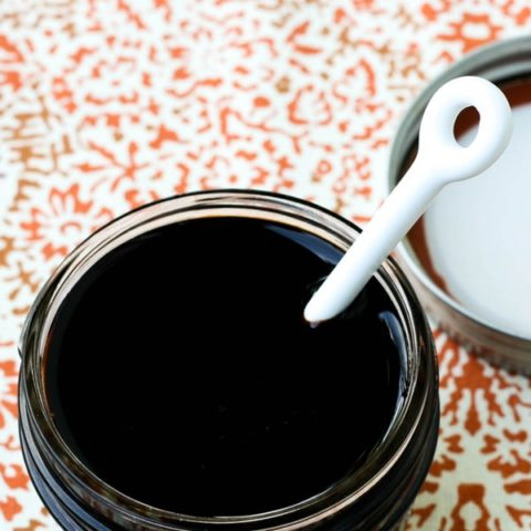 Fruity Balsamic Glaze (+ How to Select a Quality Balsamic Vinegar) // deliciousobsessions.com