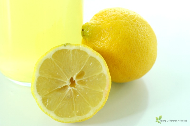 The Simplest Refreshing Lemon Cleaner // deliciousobsessions.com