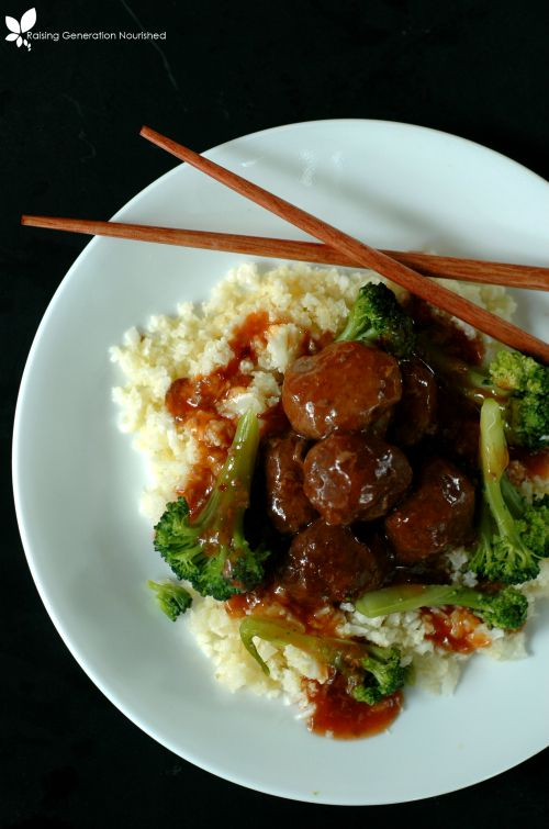 Sweet & Sour Asian Meatballs // Delicious Obsessions (Paleo, Primal, Grain Free)