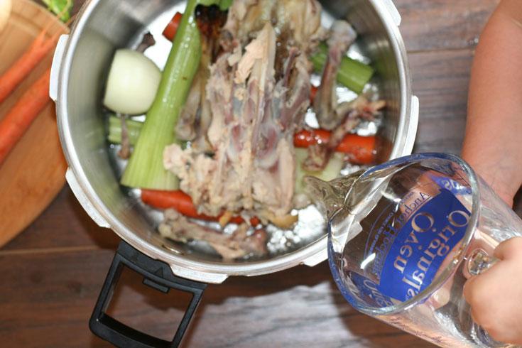 Quick and Easy Pressure Cooker Bone Broth Recipe // DeliciousObsessions.com