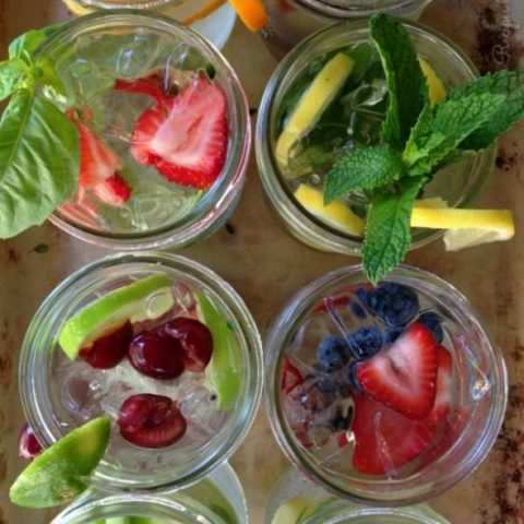 10 Hydrating Infused Waters Recipes // deliciousobsessions.com