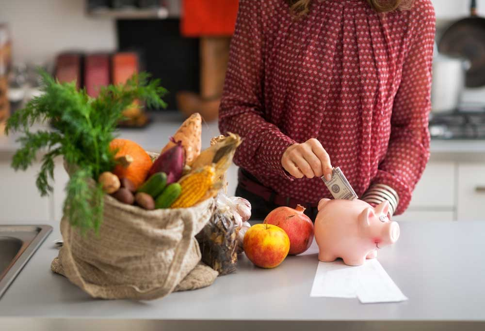 3 Tips For Eating Real Food On A Budget // deliciousobsessions.com