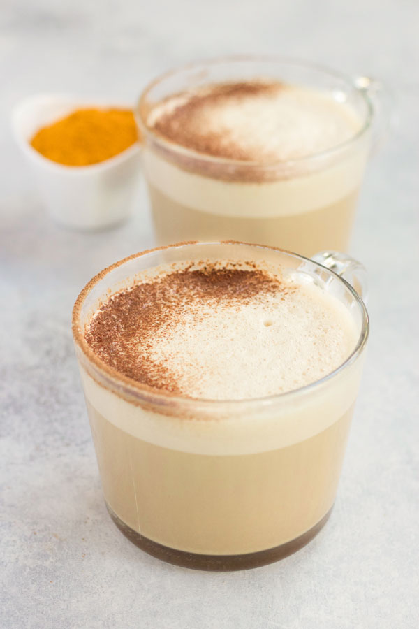 Golden Milk Hot Chocolate :: Dairy Free Option / deliciousobsessions.com