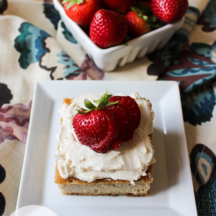 Easy Vanilla Sponge Cake :: Gluten-Free, Grain-Free, Dairy-Free, Refined Sugar-Free